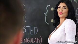 Scoreland - That Busty, Lusty Spanish Teacher - Daylene Rio and Johnny Champ (18:49 Min.)