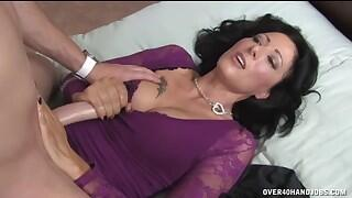 Drivers Delight - MILF and Mature Handjob Videos @ Over 40 Handjobs