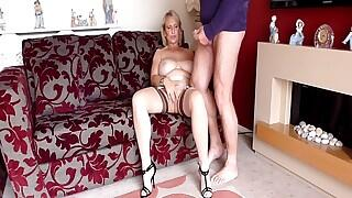Sugarbabe - A Member Of My Site Shoots His Spunk Over Me Videos